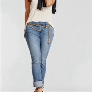 NWOT Cabi High Straight Leg Mom Jeans Style